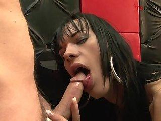sweet milf tranny fuck muscle guy